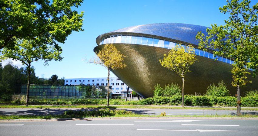 Universum Bremen bei Sonne